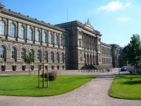 600px-Absolute_Palais_Universitaire_01.jpg