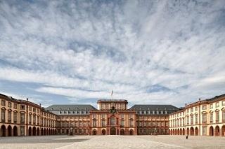 Mannheim_Palace_kl.jpg